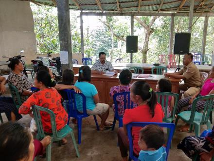 Pencairan Kredit Kelompok Wanita Tani (KWT) Karya Winangun