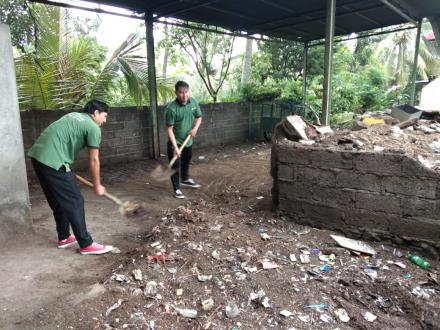 Pemdes Tunjung melakukan kegiatan Jumat Bersih